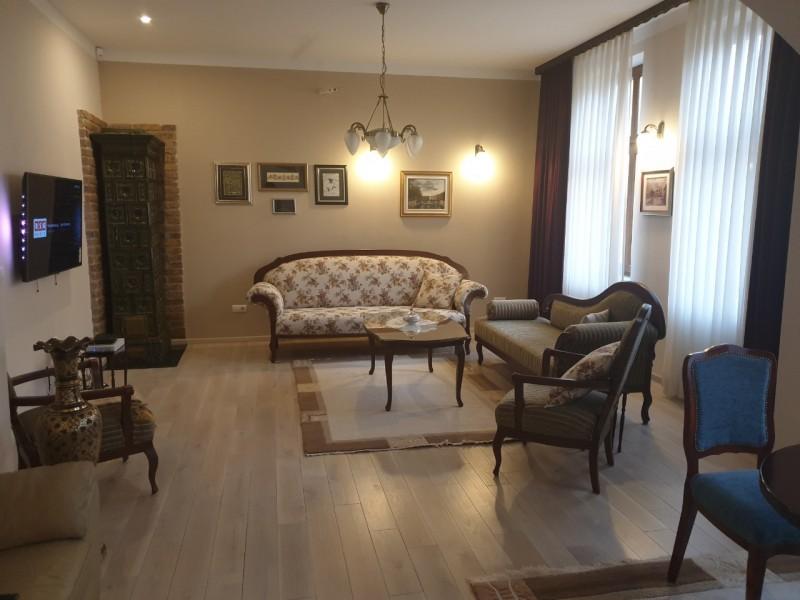 Prodajem stan u Sarajevu Josipa Stadlera